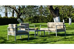 Wie kann man Gartenmöbel vor dem Winter schützen?