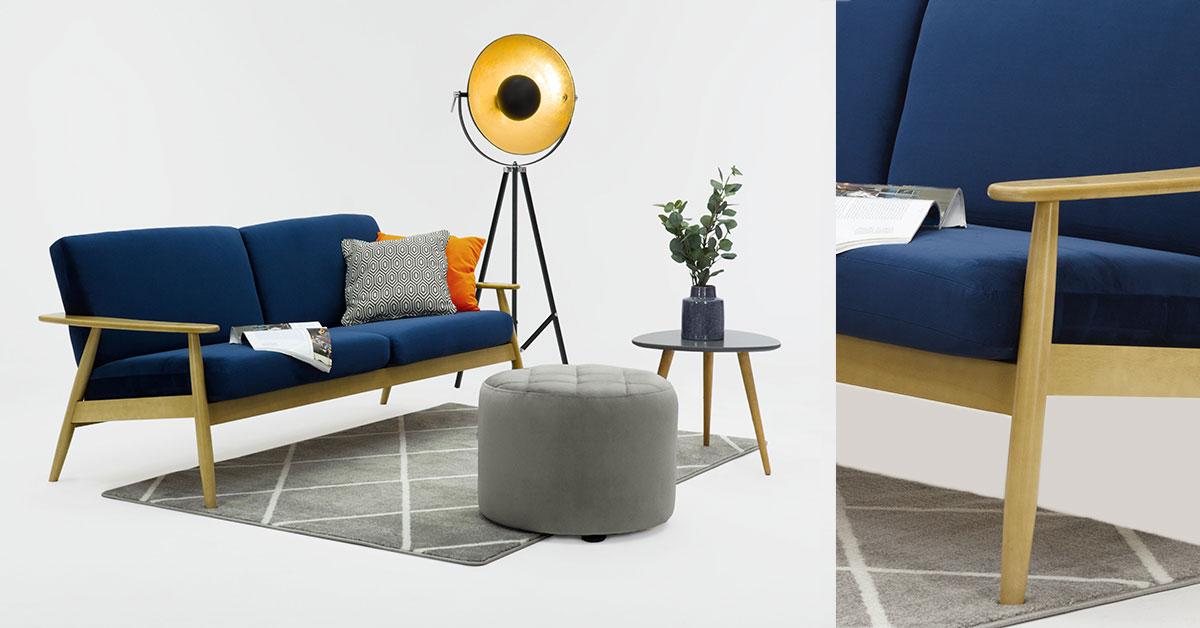 Sofas mit Details aus Holz: empfohlene Modelle