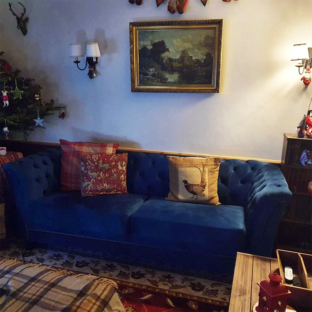 Blaues Chesterfield Sofa - Karin