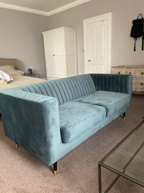 Schlankes Sofa von Jane