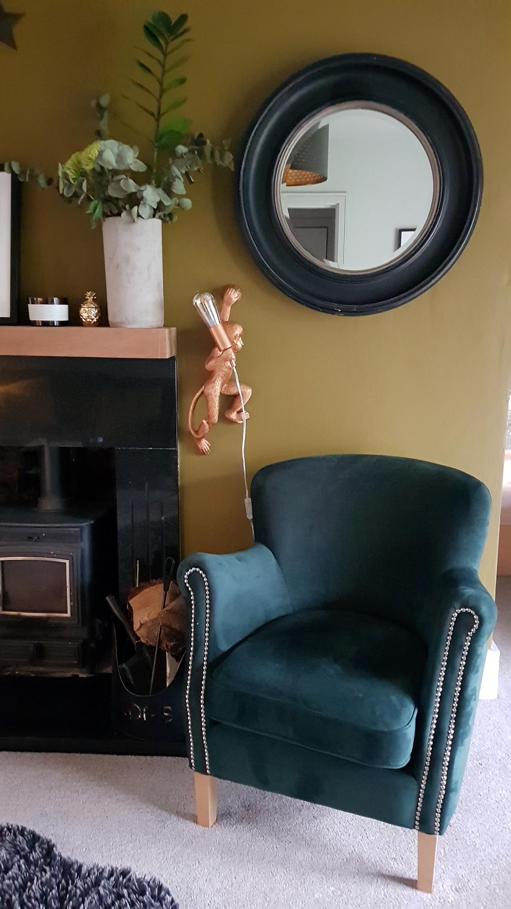 Dunkelgrüner Retro-Sessel Laze mit silbernen Verzierungen