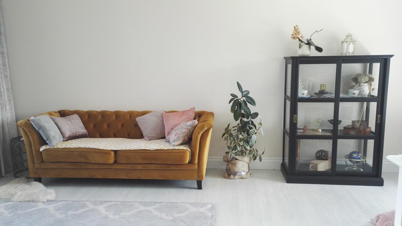Karin - Sofa in Chesterfield-Stil